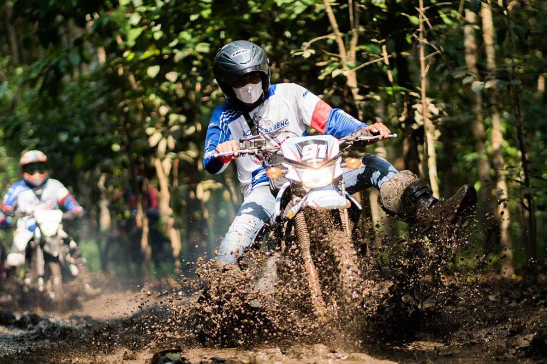 Yamaha Jatim Ajak Kades Sekecamatan Jabung Ngalas Bareng WR155R diMalang